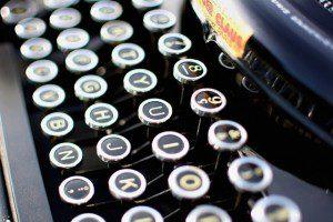 typewriter-1004433_640
