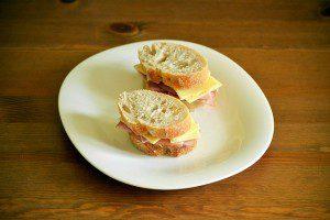 sandwich-1379338_640