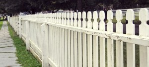 fence-644373_640