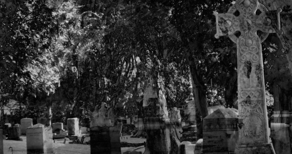Graveyards are places of Hekate
