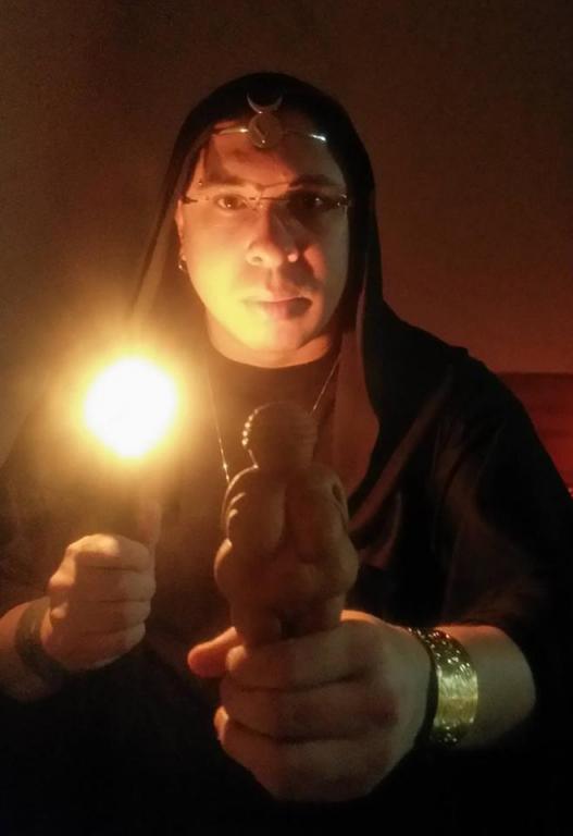 High Priest of Wicca speaks to Sorita d'Este about Wicca in Brazil