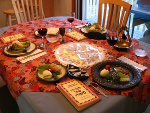 1200px-A_Seder_table_setting