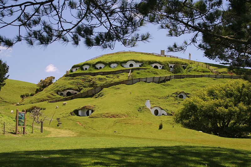 Description English: The location of Hobbiton, as used in the Lord of the Rings films. Near Matamata in New Zealand. Date	13 November 2006 Source	Flickr Author	Rob Chandler (Rob & Jules) (CC BY-SA 2.0)