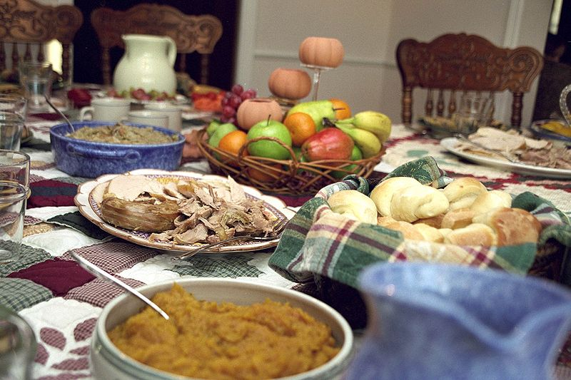 Description English: Photo showing some of the aspects of a traditional US Thanksgiving day dinner. Date	November 2002 Source	Own work Author	Ben Franske (CC BY-SA 4.0)