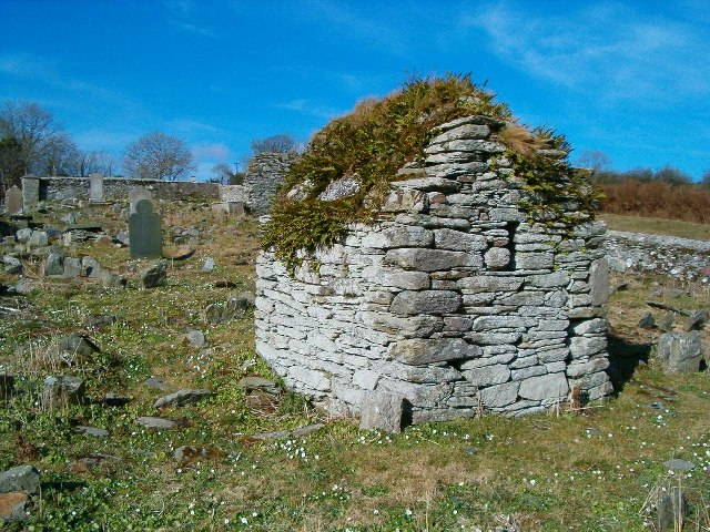 Description English: Hermit's Cell. Near Moville High Cross. Date 12 March 2004 Source From geograph.org.uk Author Patrick Mackie (CC BY-SA 2.0)
