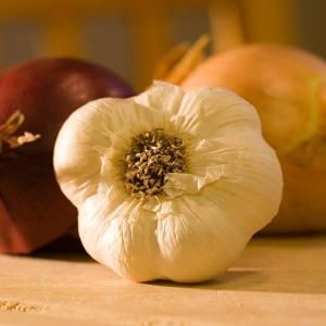 Onions ad Garlic are medicine - CC0 Public Domain - Pixabay