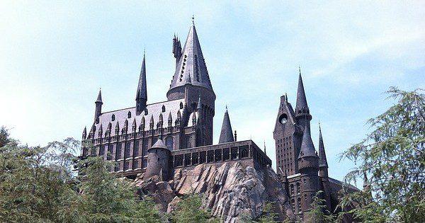 Howarts Castle at Universal Studios, Orlando Florida ~ CC0 Public Domain ~ Pixabay