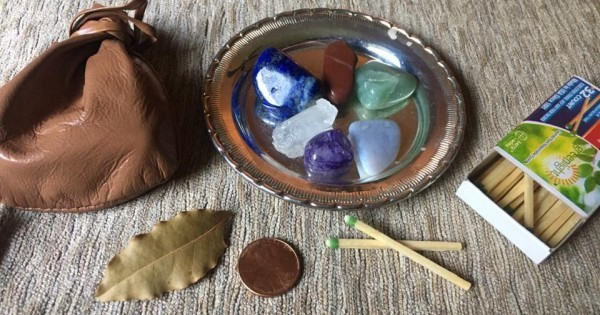 Spell for the Magus: I am the Magick A spell pouch and ritual to connect the magis to the power of the universe by Heron Michelle