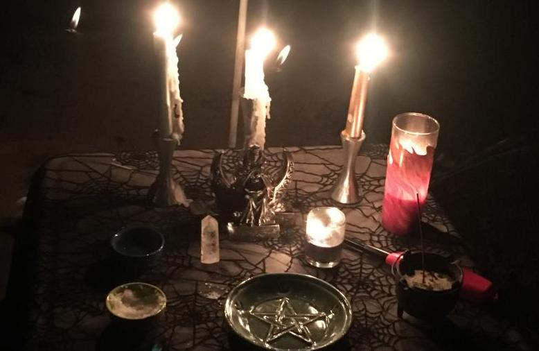 Full-moon Croning Ritual Altar, Photo by Heron