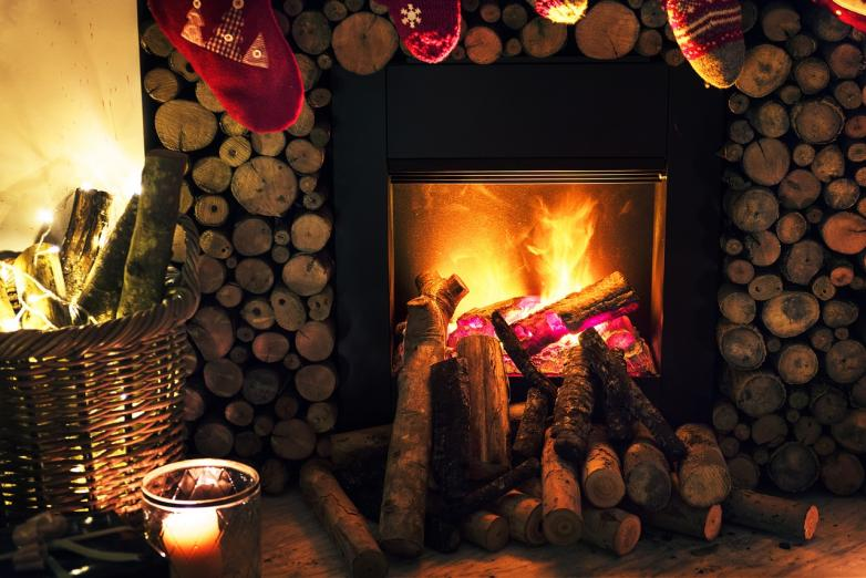 Yule Hearth Fire - CC0 Creative Commons - Pixabay