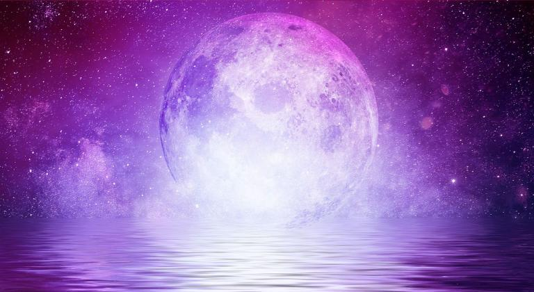 Full Moon over the Ocean - lunar witchcraft
