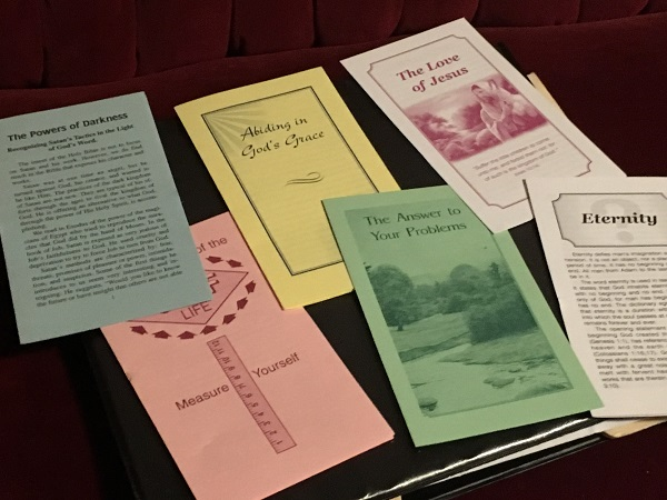 Bible tracts collected and photographed by the author.