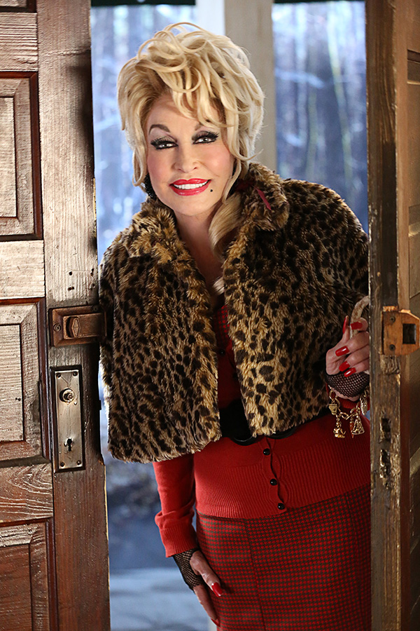 DOLLY PARTON'S CHRISTMAS OF MANY COLORS: CIRCLE OF LOVE -- Season: 1-- Pictured: Dolly Parton as Painted Lady -- (Photo by: Quantrell Colbert/NBC)