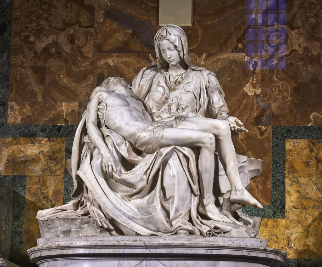 Michelangelo's Pietà, St Peter's Basilica - by Juan M Romero, 17 December 2012 (Michelangelos_Pietà_St_Peters_Basilica_1498–99.jpg) [CC BY-SA 4.0 (https://creativecommons.org/licenses/by-sa/4.0/deed.en)], via Wikimedia Commons