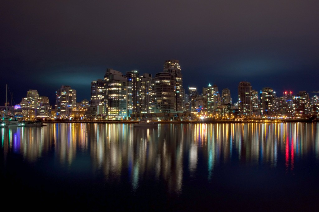 Vancouver at Night - by popejon2 from Paddington, Australia (Vancouver_at_Night_(6692752995) [CC BY 2.0 (https://creativecommons.org/licenses/by/2.0/deed.en)] via Flickr