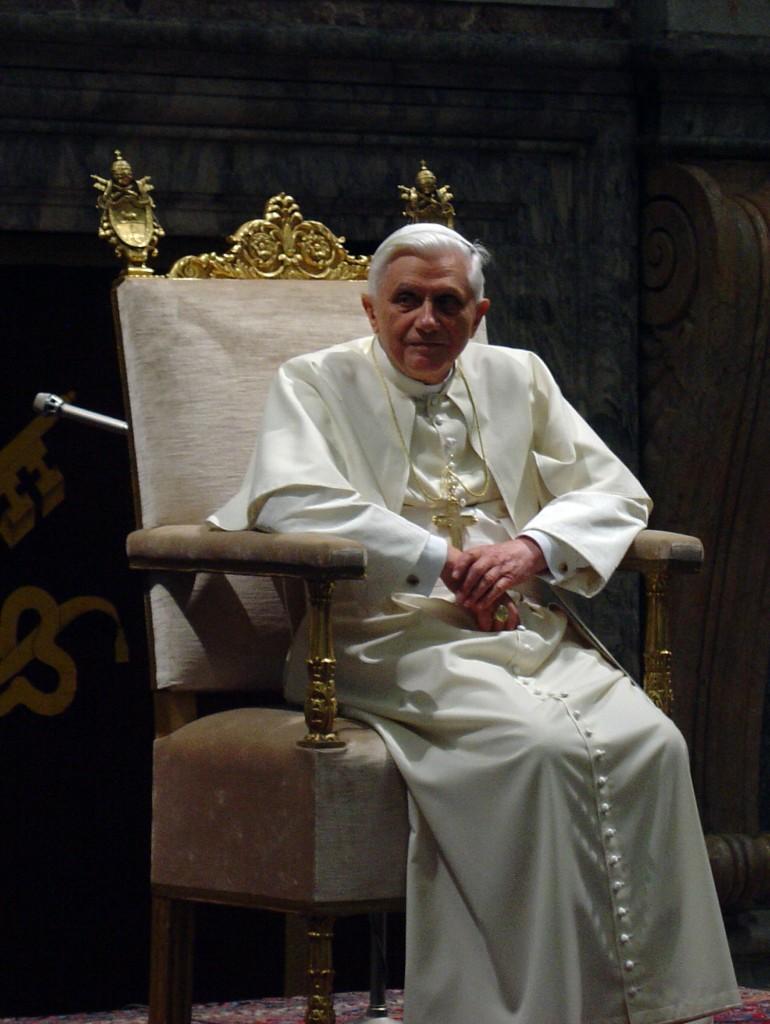 Benedict XVI, 2006 - by Giuseppe Ruggirello (Pope_Benedict_XVI_2006-01-20.jpg) [CC BY-SA 3.0 (https://creativecommons.org/licenses/by-sa/3.0/deed.en)], via Wikimedia Commons