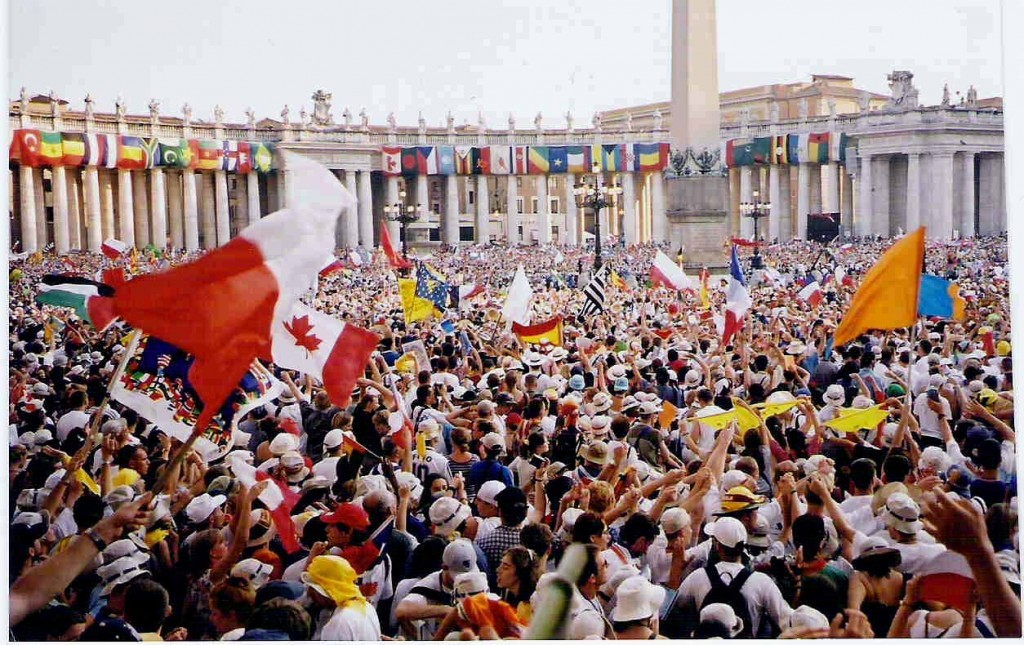 World Youth Day in Rome, 2000 - by User:sporki (Wydrome2000.jpg) [CC BY-SA 3.0 (https://creativecommons.org/licenses/by-sa/3.0/deed.en)], via Wikmedia Commons