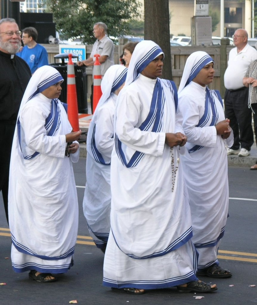 First Annual (September 2005) Southeastern Eucharistic Congress in Charlotte, NC - by User:Fennec (Sisters_of_Charity.jpg) [PD], via Wikimedia Commons