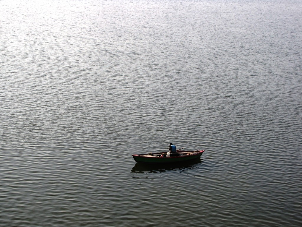 The Ganges, Varanasi, Uttar Pradesh - Sujayadhar (Boat_on_still_water.jpg) (CC BY-SA 4.0 [https://creativecommons.org/licenses/by-sa/4.0/deed.en]), via Wikimedia Commons