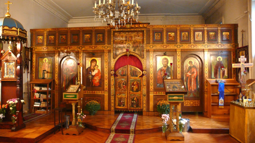 russian orthodox church outside russia - by Xuan Che, 9 October 2009 (https://www.flickr.com/photos/69275268@N00/4006968455) (CC BY 2.0 [https://creativecommons.org/licenses/by/2.0/]), via Flickr