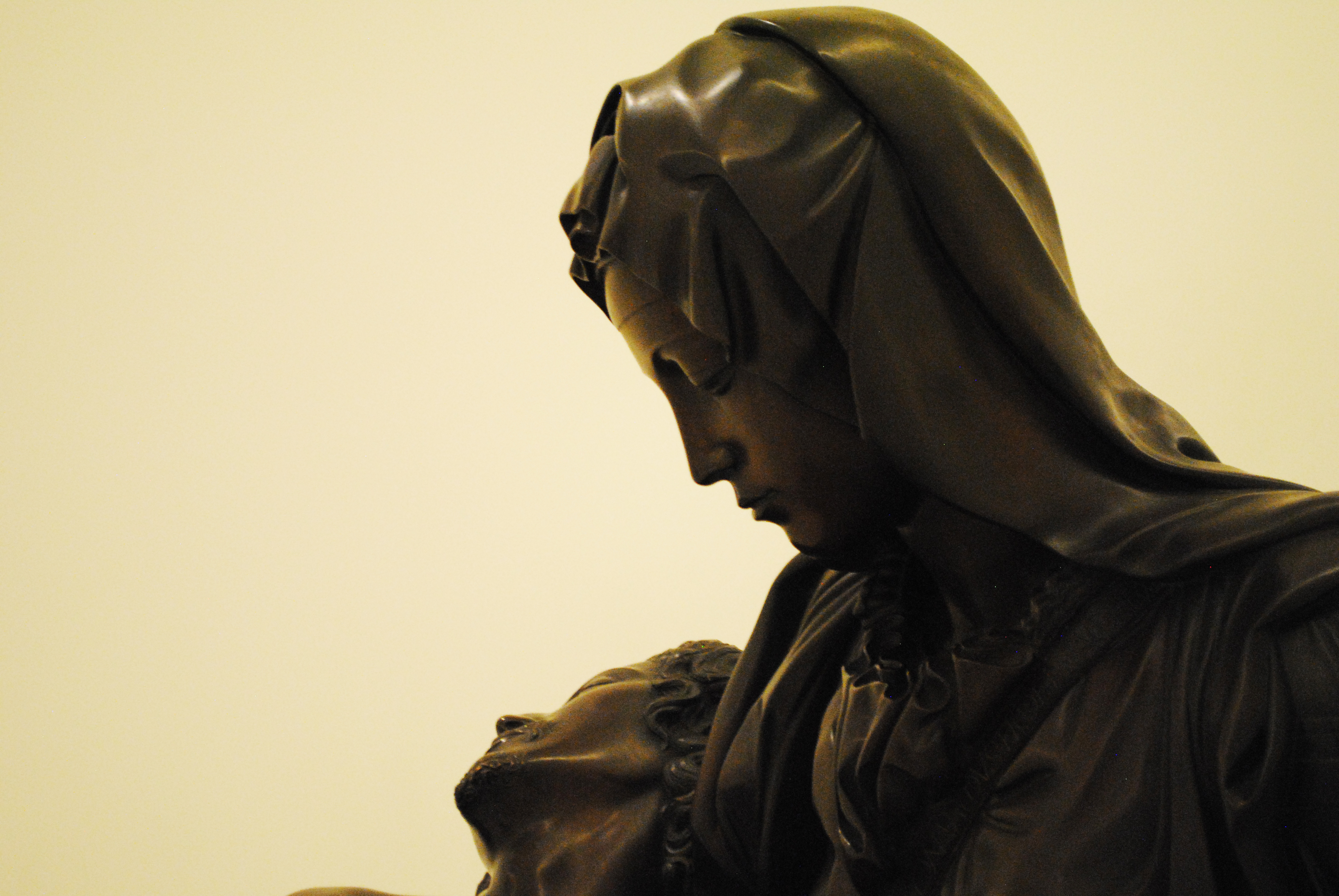 Michelangelo's Pietà in a bronze casting by Ferdinando Marinelli, 1932, certified by the Foundation Buonarotti - Museo Soumaya (Miguel_Ángel_Buonarrotis_Pietà_bronze_replica_at_Museo_Soumaya_07.jpg) (CC BY-SA 4.0 [https://creativecommons.org/licenses/by-sa/4.0/deed.en]), via Wikimedia Commons