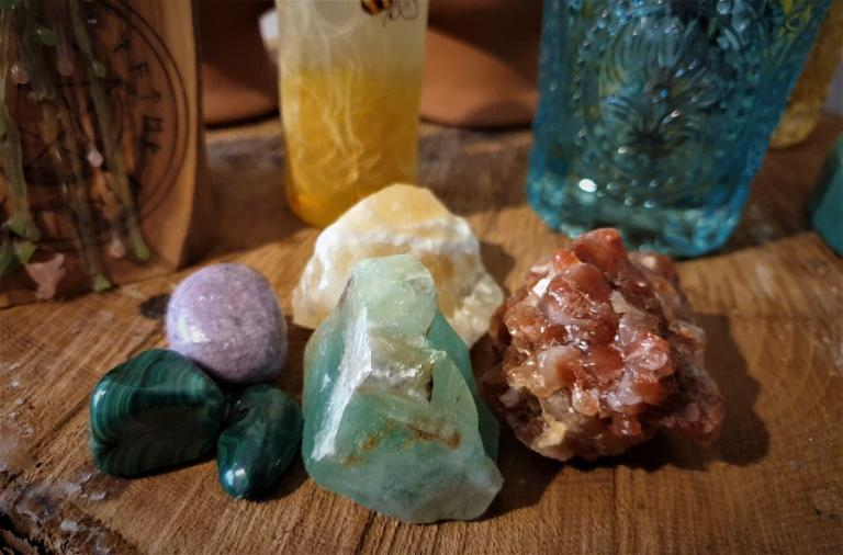 crystal magic, choosing and cleansing