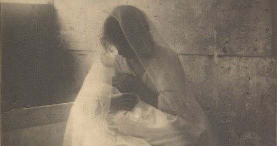 By Gertrude Käsebier (American, 1852 - 1934) (1852 - 1934) – photographer (American) Details of artist on Google Art Project [Public domain], via Wikimedia Commons