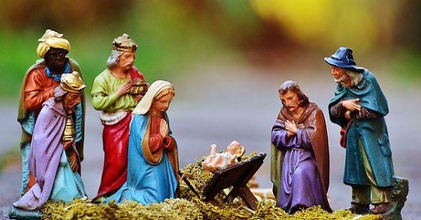 christmas-crib-figures-1060017_640_opt