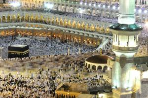 Kaaba Wikipic Before_the_Hajj_is_complete,_pilgrims_must_return_to_Mecca_to_perform_a_-farewell_tawaf-_around_the_Kaaba._-_Flickr_-_Al_Jazeera_English