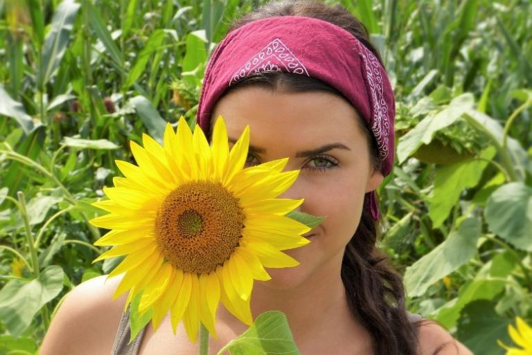 new moon in leo sunflower shine pagan witch eclipse magic magick