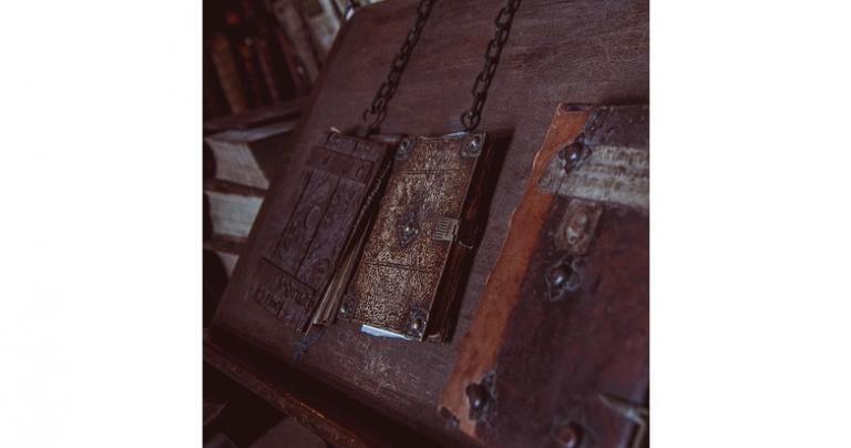 books, chains