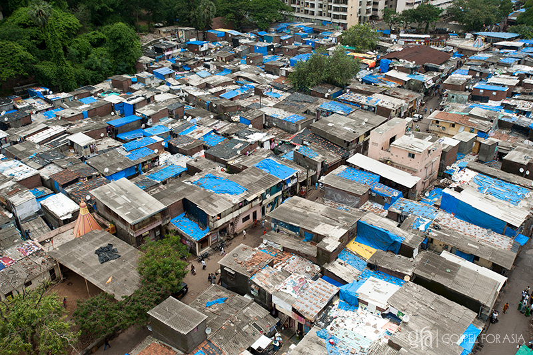 Sprawling slums in Mumbai, India -KP Yohannan - Gospel for Asia