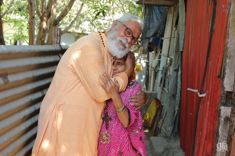 KP Yohannan in Slums - Gospel for Asia