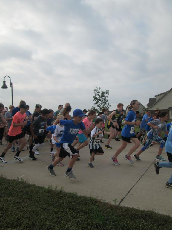 Runners at GFA's Tiger Supply Run keep their eyes on reaching the goal - KP Yohannan - Gospel for Asia