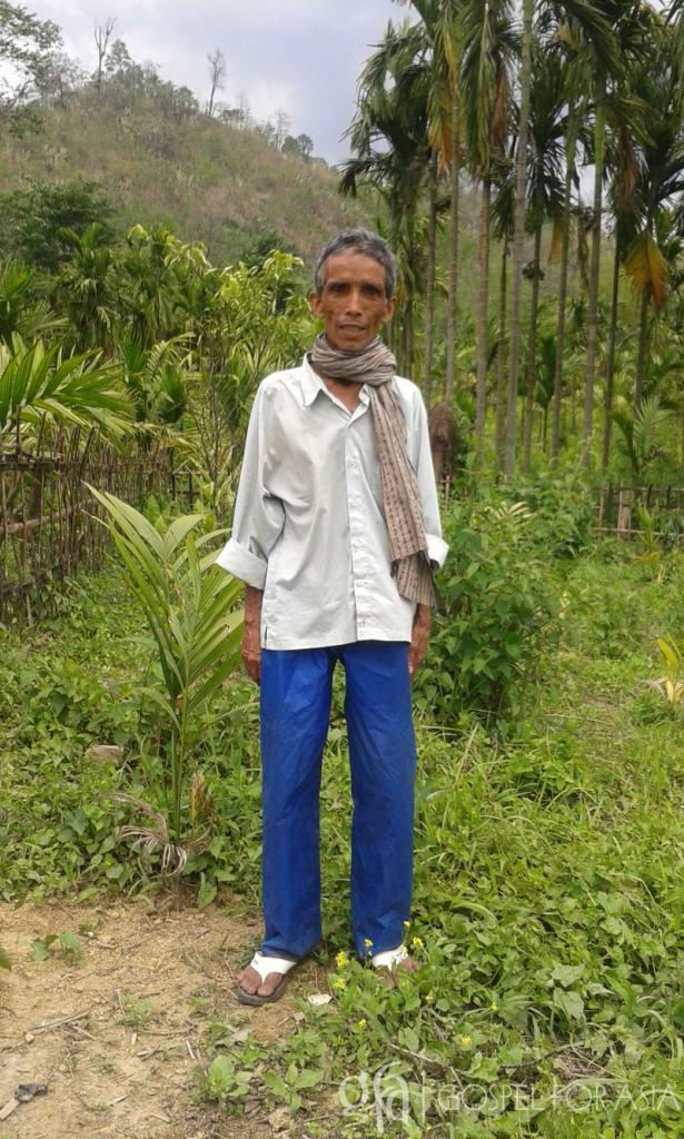 This is Kaling. He was dying when two Gospel for Asia-supported Sisters of Compassion found him and helped him.