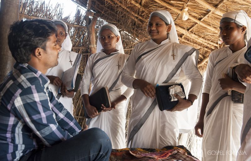 Gospel for Asia-supported Sisters of Compassion minister to the least of the least in society.