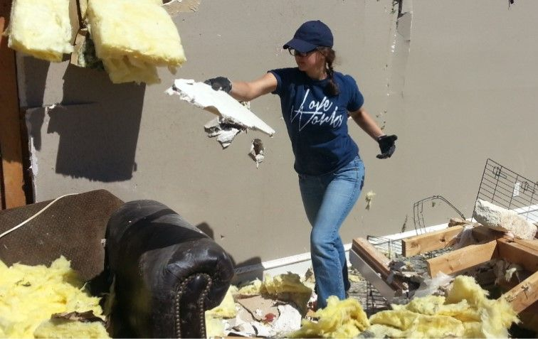Gospel for Asia staff member helps clean up homes - KP Yohannan