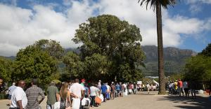 lines of people for water in cape town, south africa - KP Yohannan - Gospel for Asia
