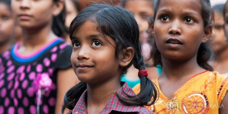 Christ's love brings hope in the eyes of a child - KP Yohannan - Gospel or Asia