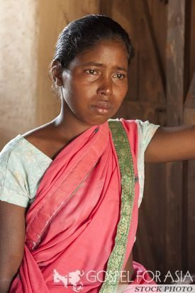 Lalita, a widow in Asia with two small children - KP Yohannan - Gospel for Asia