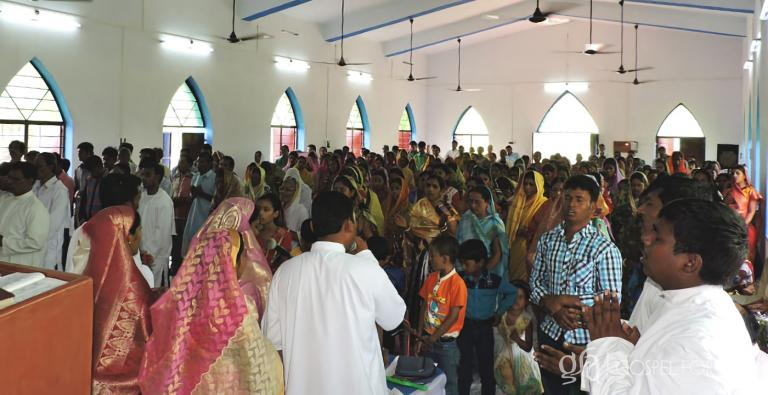 Joyous believers are worshiping the Lord in the building they prayed for. God has blessed them tremendously through the work of Gospel for Asia founded by Dr. K.P. Yohannan!