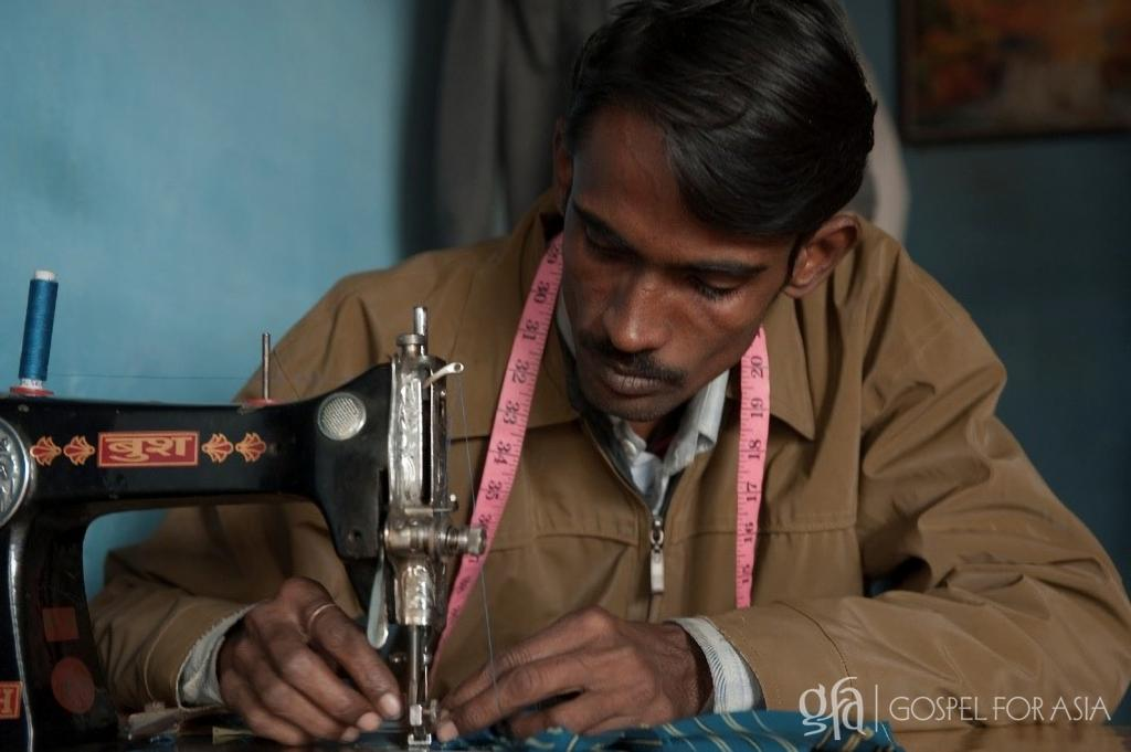 Gospel for Asia (GFA) – Discussing the lives that are trapped in a seemingly endless cycle of poverty, and the gift and hope that a sewing machine can bring, opening doors to a better life.