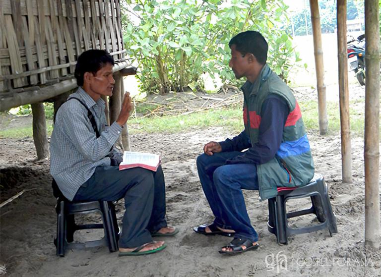 Gospel for Asia founded by Dr. K.P. Yohannan: Pastor Dayakara shares with Salil from the Bible.