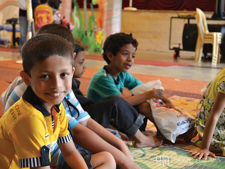 Gospel for Asia founded by Dr. K.P. Yohannan: Children in VBS