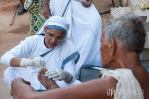 Discussing the pain leprosy patients, the suffering and isolation, and the healing and hope brought through Gospel for Asia Sisters of Compassion.