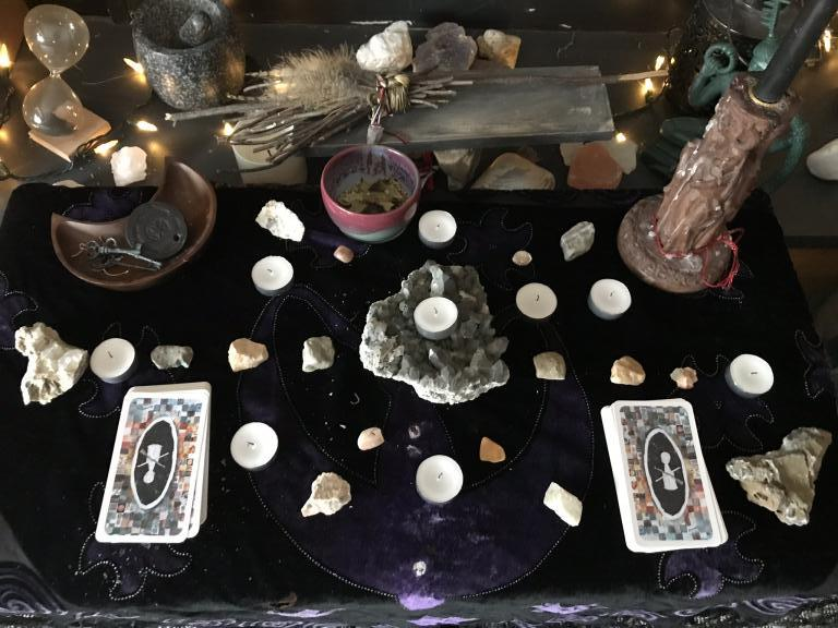 Hekate and Daily Tarot Work   Hekate Daily Tarot