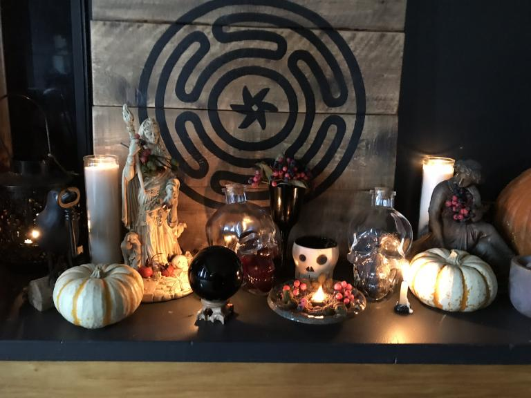 Hekate & October: Hail The Queen of Witches!