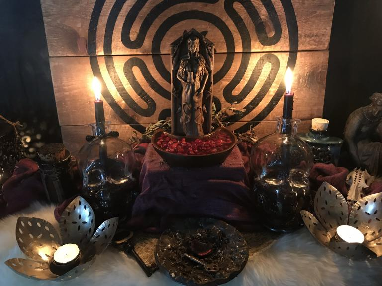 Hekate and the Hieros Pyr: Using Her Sacred Fires in Witchery