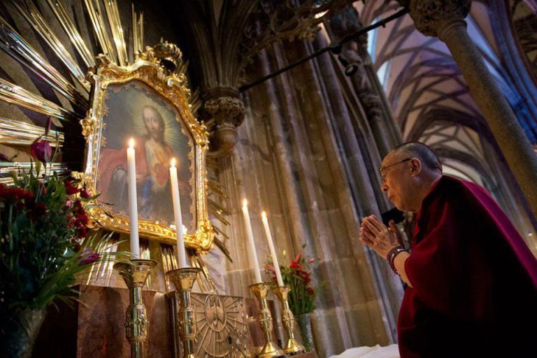 Dalai Lama - meditating before Jesus