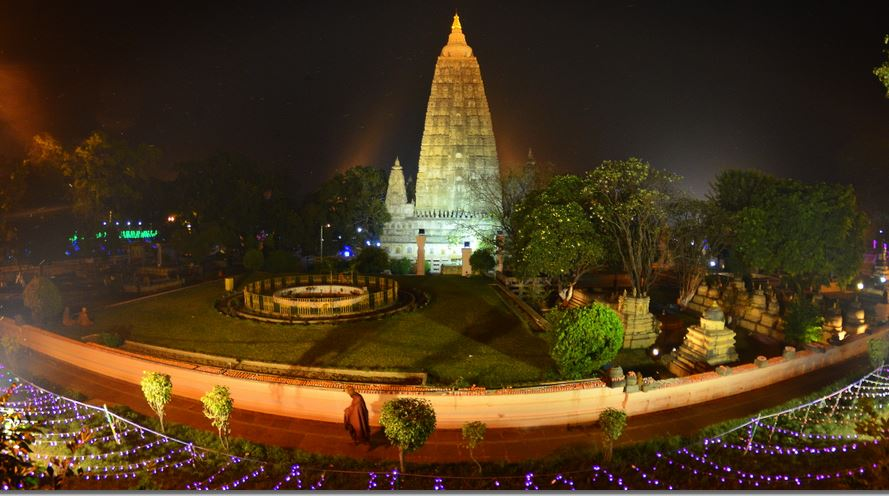 9 Mahabodhi stupa from the south